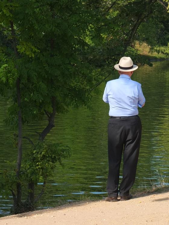 Mann med hatt, bois de boulogne